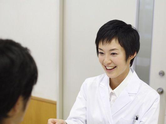症状の説明を患者様にしっかりと説明し、患者様と一緒に治す治療を心がけています